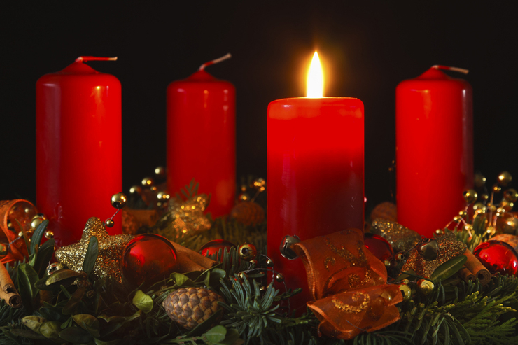 advent-one-candle-lighted-featured-w740x493