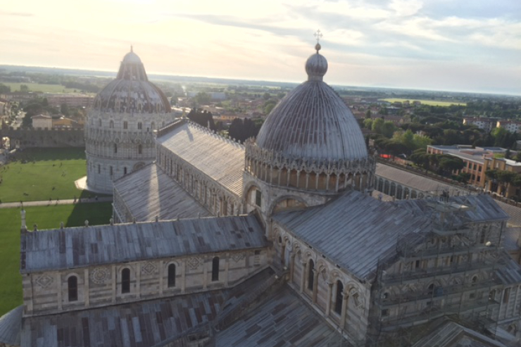 armstrong-catedral-assumuption-pisa-featured-w740x493