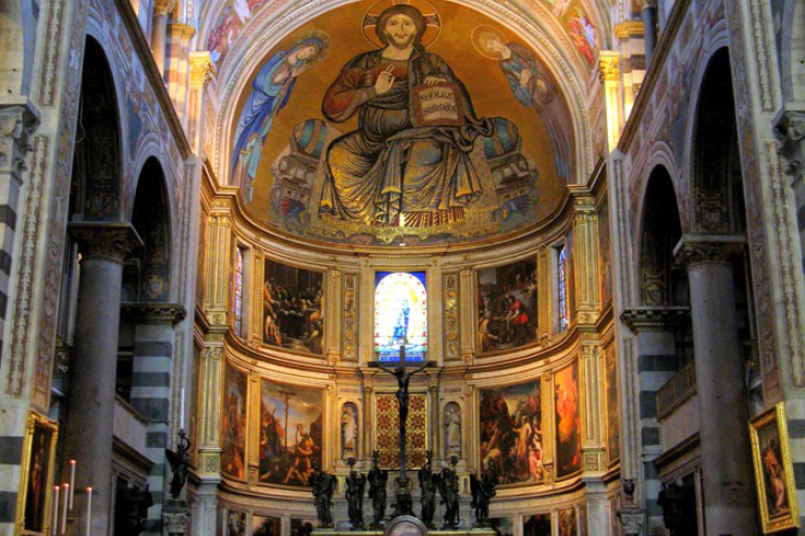 armstrong-inside-cathedral-of-assumption-pisa-featured-w740x493