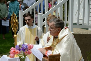 cardinal-burke-blessed-sacrament