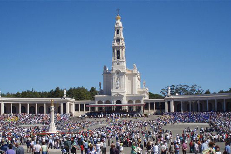 Santuário de Fátima Bascilica of Our Lady of the Rosary