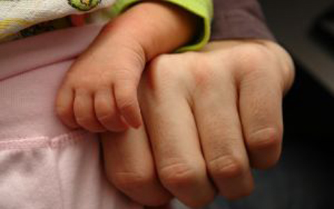 hands-baby-parent-featured-w480x300