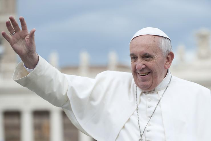 Pope Francis (neneo / Shutterstock.com)