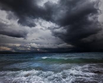 storm-seas-sky-w349x280